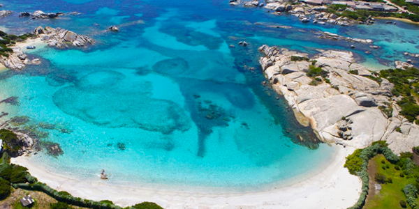 Le 5 spiagge più belle da visitare sull'isola di Cavallo, Sud Corsica
