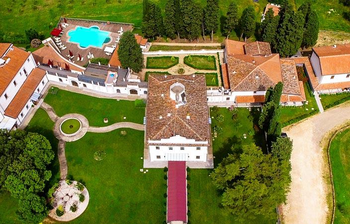 Viaggio multisensoriale a Firenze: soggiorno unico a Villa Tolomei