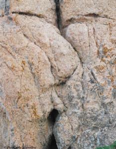 bellezze-Corsica-le-rocce-artistiche -isola-Cavallo-bacio